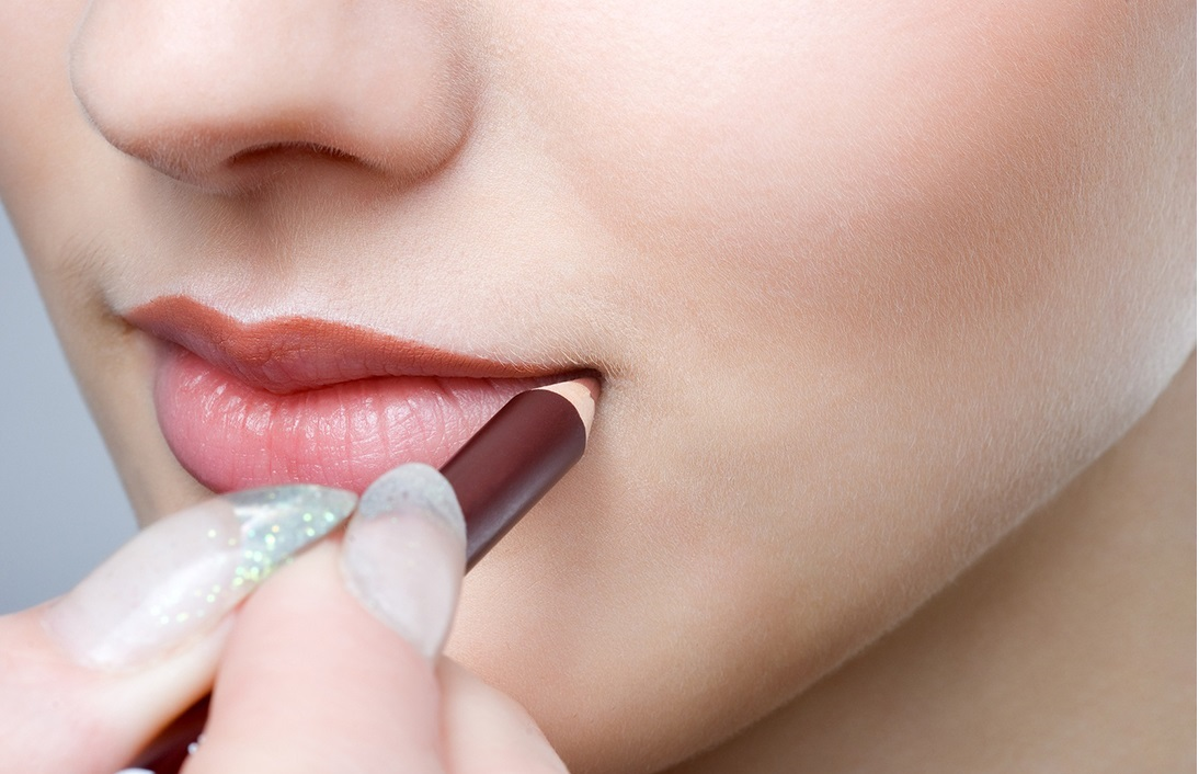 10 Natural Ways To Get Plump Lips Make Your Lips Bigger Nude Lip Liner Faces Of Ony