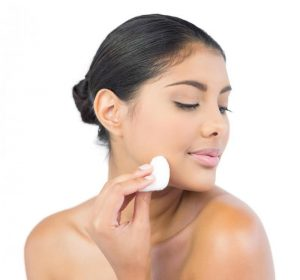 Put Toner With Cotton Pads Faces Of Ony
