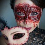Bloody Mask Halloween MakeUp Looks