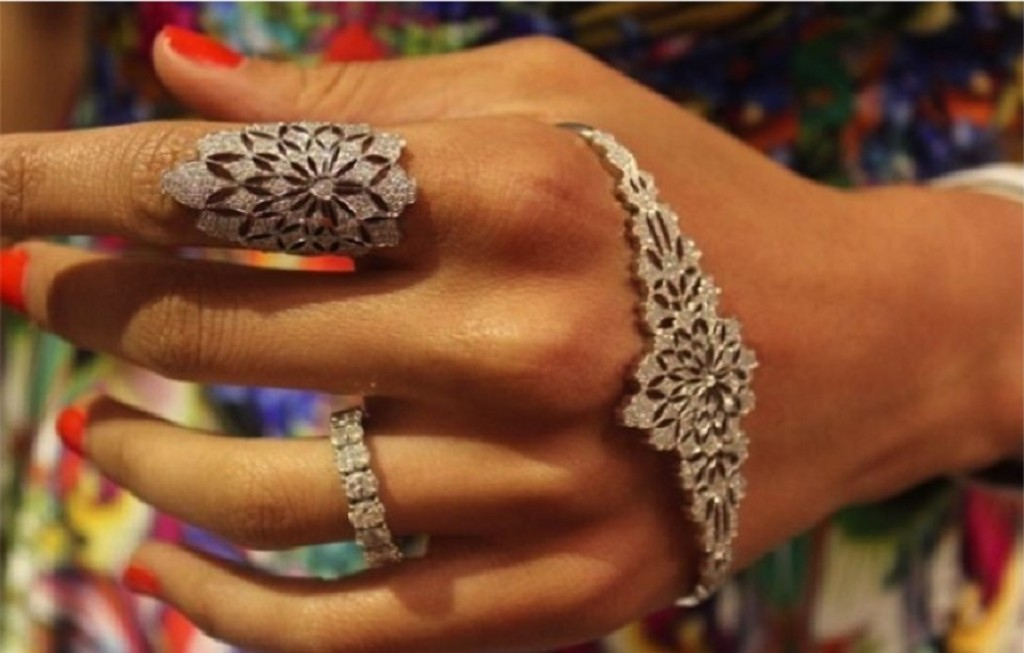 Palm Bracelet 2016 Fashion Trends