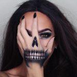 Palm Face Halloween Scary Halloween MakeUp Look
