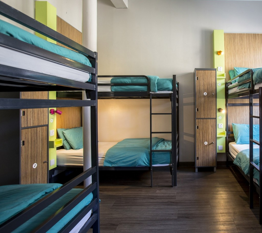 Tips To Find Cheap And Best Hotels Faces Of ONY Travel Tips Hostels