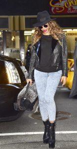 celebrity street fashion Queen B