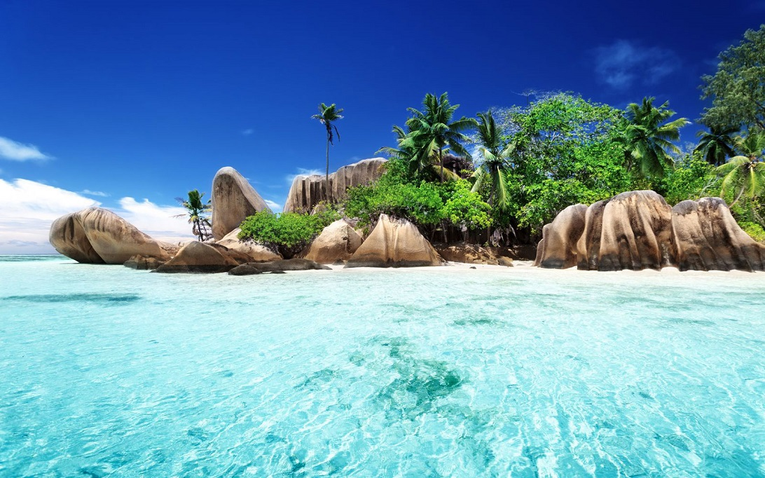 Seychelles Beaches The Beach Lovers Paradise