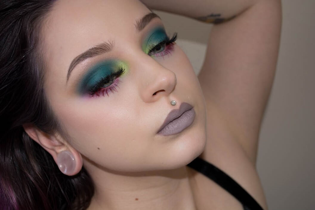 Dark Green Eyes Inspiration-easy holiday makeup looks