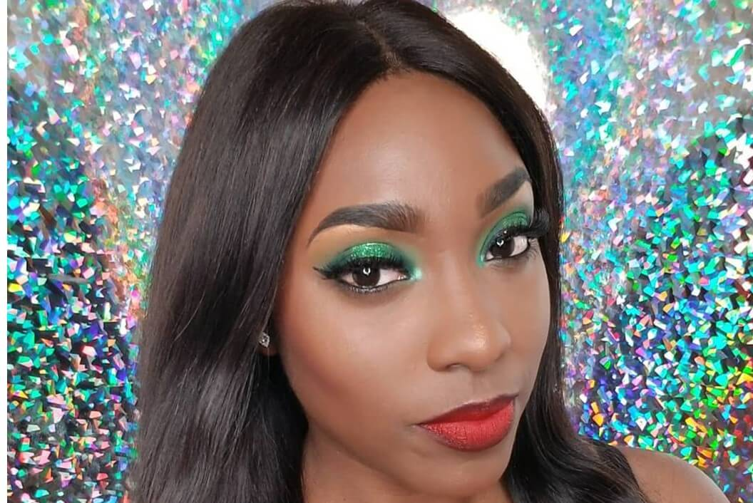 Green Eyes And Ombre Lips @beatson-easy holiday makeup looks
